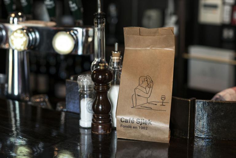 Broodzak met illustratie Café Sjiek