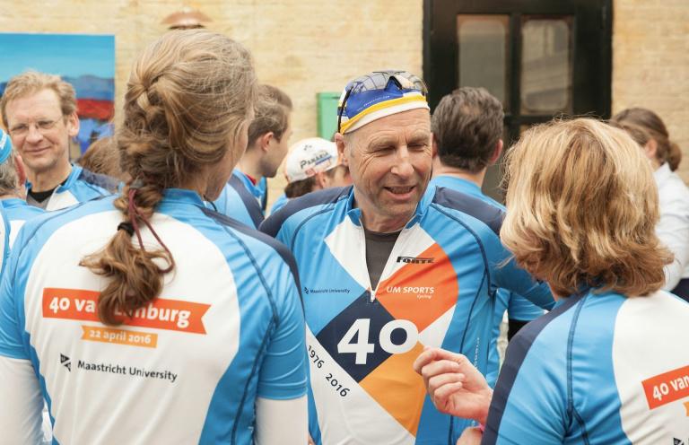 Wielerkleding 40 jaar Maastricht University