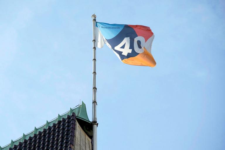 Vlag 40-jarig jubileum Maastricht University